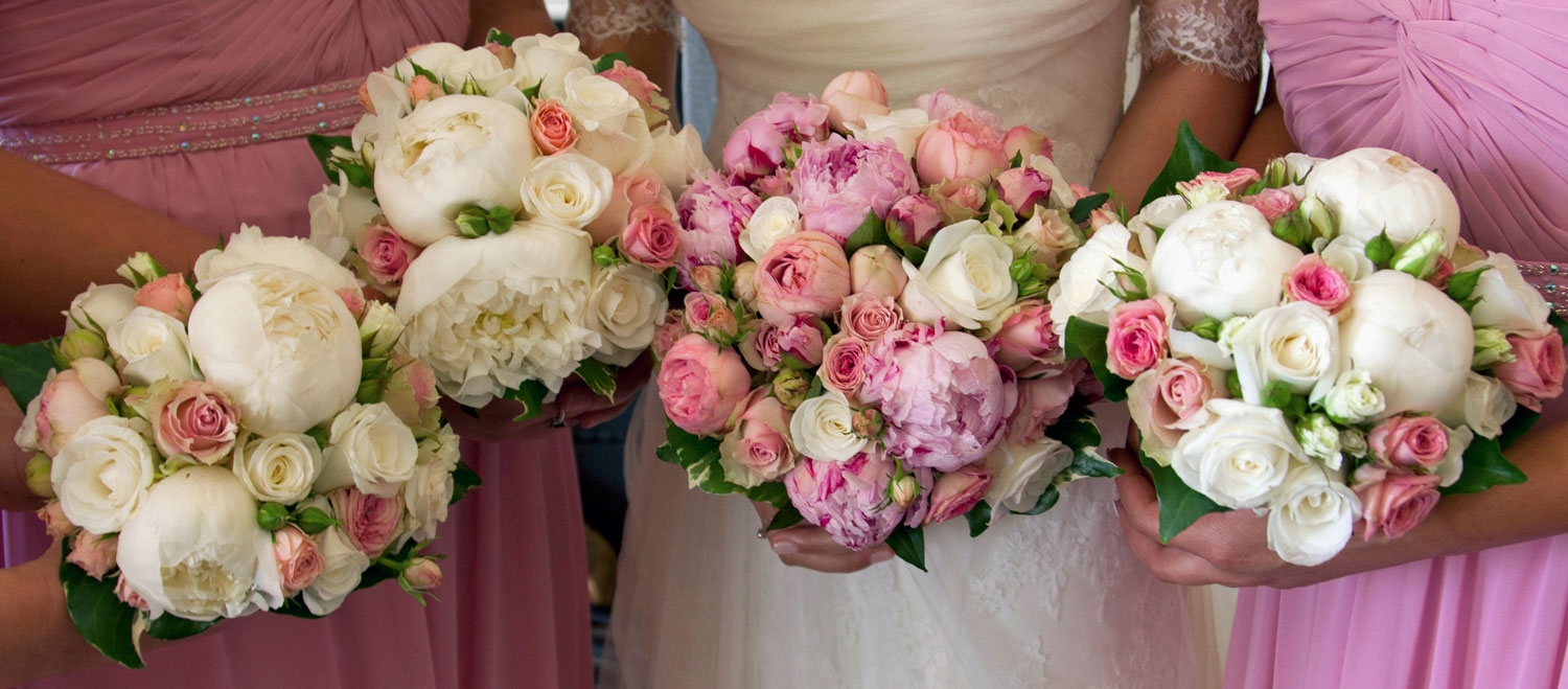 Romance - Bride and bridesmaids bouquets